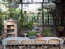 15 Backyards Made For Entertaining